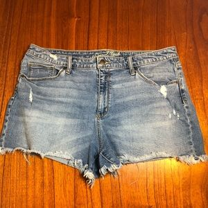 Universal Thread distressed cutoff jean shorts